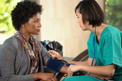 کاهش فشار خون با روش های طبیعی